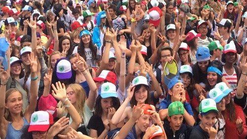 élèves et casquettes.jpg